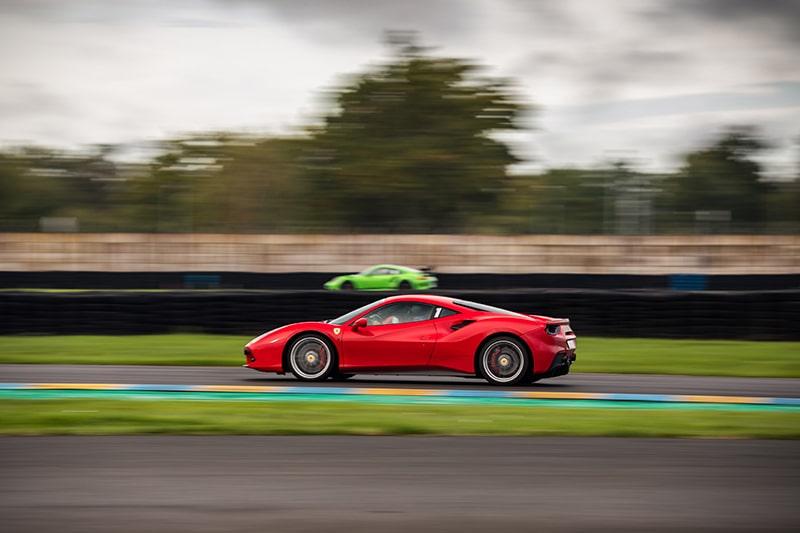 Ferrari 458 Italia et Porsche GT3 RS